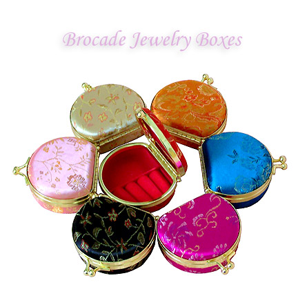 Travel-size jewelry boxes